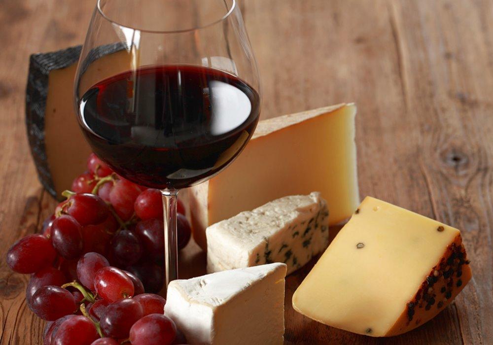 VINI ROSSI E FORMAGGI Come abbinare i vini rossi ai formaggi