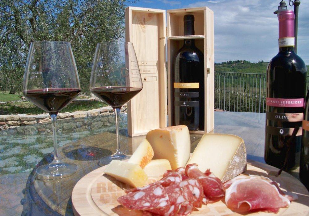 SCOPRI CANTINA LE BUCHE Degustare vino in Toscana